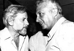 עם אריאל שרון, 1981