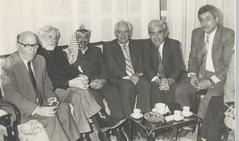 С Арафатом и Махмудом Аббасом (справа), Тунис, 1989 год