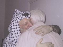 «Живой щит» Арафата в Мукате, 2004 год